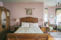 Cambridge Room - Bedroom & Turret Sitting Room