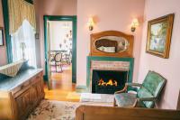 Cambridge Room - Fireplace Seating Area