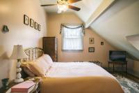 Oxford Room - Sunken Bedroom