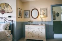 Tilghman Island Room - Dresser, Entrance