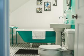 Sterner Bath