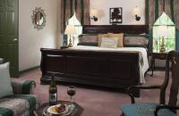 King size sleigh bed in Walnut room