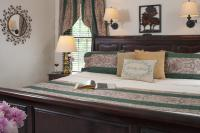 Sleep well in the king size bed