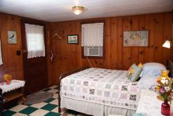 Knotty Pine Cabin 3 Bed