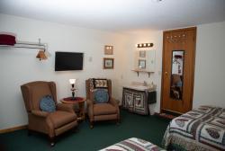 Amish Room Sitting Area