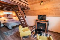 ArtBliss Hotel fireplace