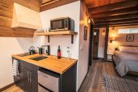 ArtBliss Hotel kitchenette