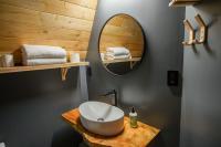 ArtBliss Hotel bathroom