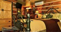 Room 1, Wilderness Suite