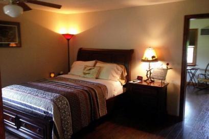 Room 9, Mountain Breezes Suite