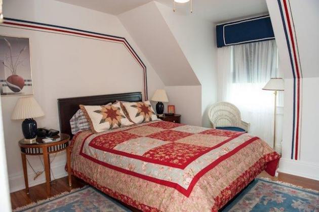 Queen Room 12