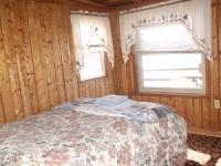 Lakeside Bedroom - Full size bed