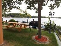 Cabin #1 Lakefront Yard