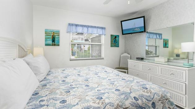 One bedroom with porch and kitchenette
