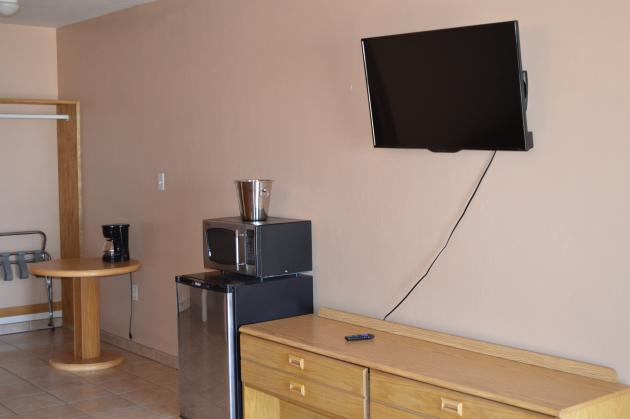 Mini Fridge, Breakfast Nook, ROKU TV, microwave, coffee