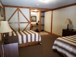 The Cedar - Renovated Room #5