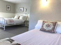 Twin and double bed in Rose Room