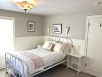 Double bed in the Rose Room