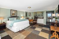 King Bed & Partial Ocean View