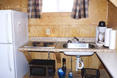 New River Cabins kitchenette