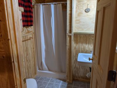 New River Cabin # 8 Full bathroom