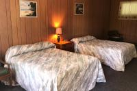 Showboat Motel: Room 27 - Two Full Beds