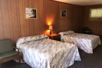 Showboat Motel: Room 27 - Two Full Beds and Seating