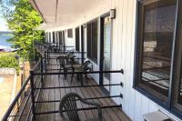 Showboat Motel: Room 27 - Poolside Balcony with View of Seneca Lake