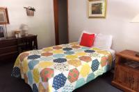 Showboat Motel: Room 39 - One of Two Full Beds