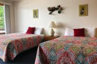 Showboat Motel: Room 44 -  Two Queen Beds