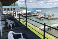 Showboat Motel: Room 7 - Balcony with Seneca Lake View
