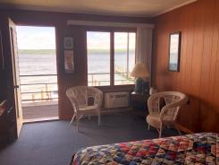 Showboat Motel: Room 6 - Balcony and Seneca Lake View