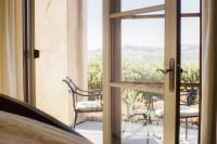 Lucca Guest Suite, View of Patio, The Canyon Villa, Paso Robles