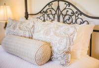 Castellina Guest Suite, Queen Bed, The Canyon Villa, Paso Robles