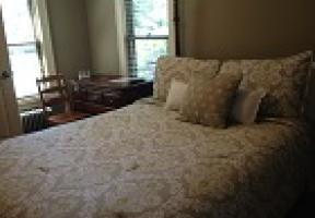 Room #2 - Full Bed