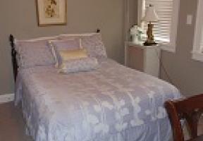 Room #12 - Full Bed