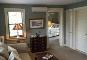 Suite #17 - The Hilltopper Executive -Queen/Sofa