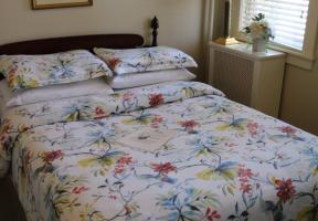 Room #9 - Full Bed