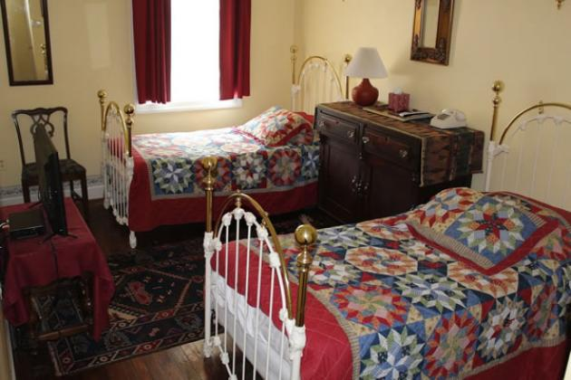 Double and twin bed