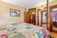 Barossa Suite queen bed
