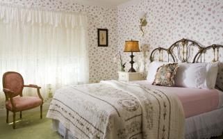 Suite 305 Bedroom