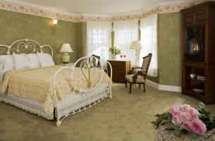 Suite 306 Bedroom
