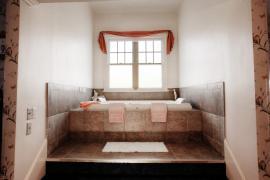 Room 9 spa tub